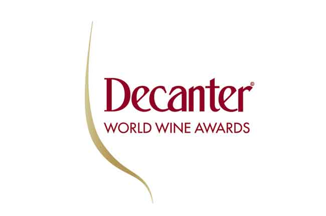 Logo Decanter world wide awards